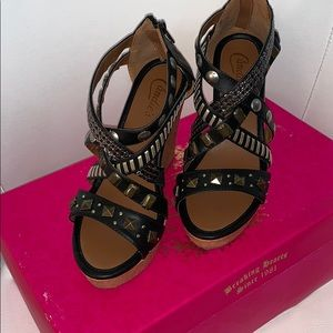 Candies black wedge heels with multi straps 7.5